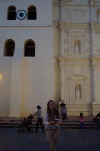 Auf der Rückfahrt von Copán kamen wir an Amerikas ältester Uhr in Comayagua vorbei