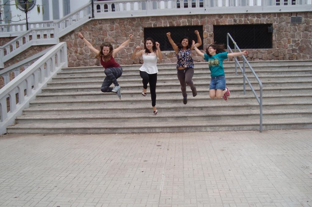 v.l.n.r. ich, Linda, Sloany & Kely vor der Basilika Suyapa